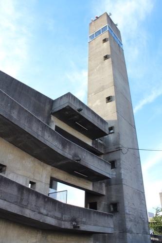 0161:羽島市庁舎 望楼とスロープ①