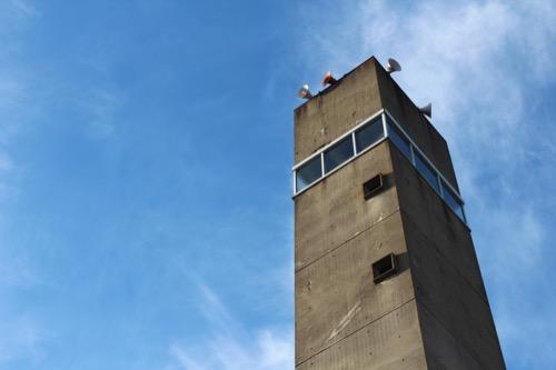 0161:羽島市庁舎 望楼とスロープ②