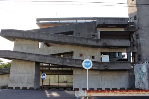 0161:羽島市庁舎 望楼とスロープ③