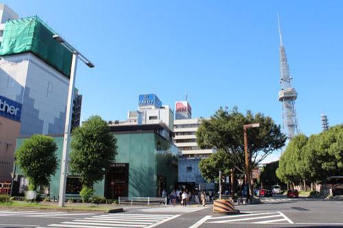 0165:ルイ・ヴィトン名古屋 テレビ塔と一緒に