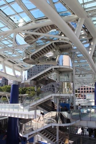 0166:オアシス21 屋根上への階段