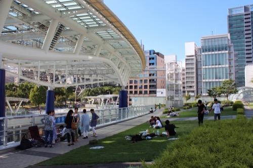 0166:オアシス21 大屋根と屋上広場