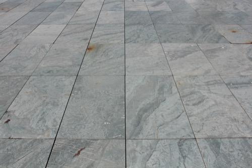 0167:豊田市美術館 彫刻テラスの床仕上げ