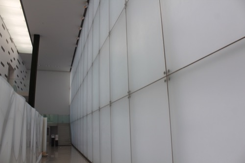 0167:豊田市美術館 ギャラリーのガラスファサード①