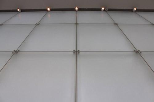 0167:豊田市美術館 ギャラリーのガラスファサード②