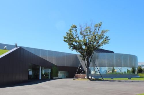 0170:資生堂アートハウス 正面広場②