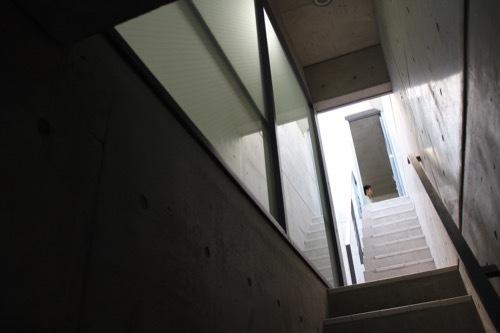 0172:日本橋の家 階段②