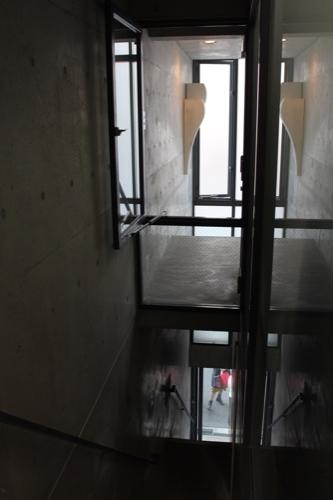 0172:日本橋の家 階段③