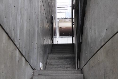 0177:ガレリアアッカ 地下フロアから入口を見る