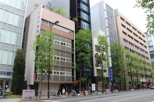0180:フジカワ画廊 堺筋からの眺め