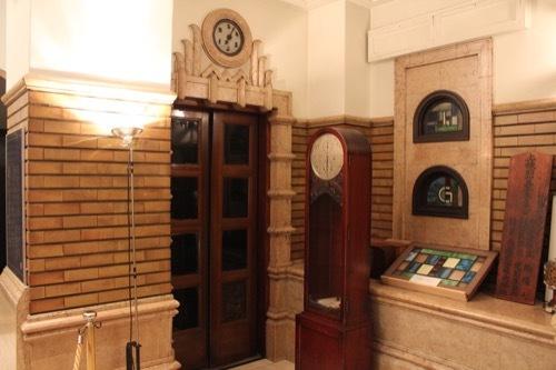 0181:生駒ビルヂング 展示品や使用されていないEV扉