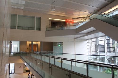 0147:広島県立美術館 メインロビーを2階から①