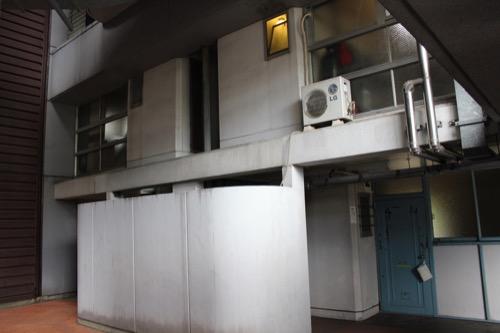 0148:市営基町高層アパート 住戸の入口