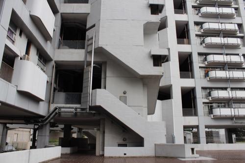 0148:市営基町高層アパート 階段のデザイン