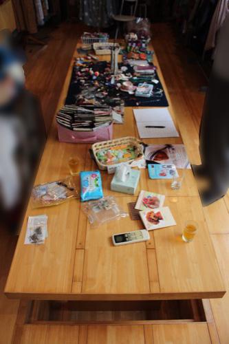 0151:ギャラリー小さい芽 1階ギャラリーの木製床・テーブル
