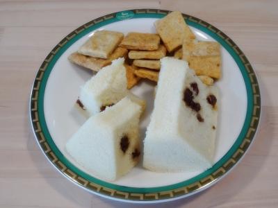 福島・郡山で足圧足つぼ足もみ整体、骨盤リセットほぐしダイエット、リフレクソロジー、リンパマッサージ_いただきものシリーズ_米粉と豆乳でできたシフォンケーキ