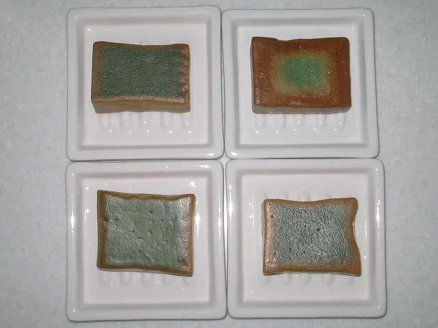 アレッポからの贈り物(オリーブ石鹸、エクストラ)とオリーブとローレルの石鹸 (ノーマル、エキストラ)の断面図比較(使用後)