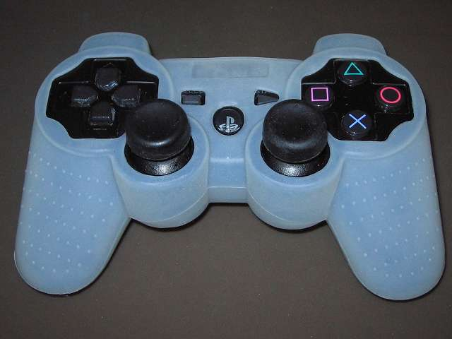 PS3 コントローラー(デュアルショック 3) スプレーを使ってメンテナンス、コントローラーカバーとアナログスティックカバーを装着して完了