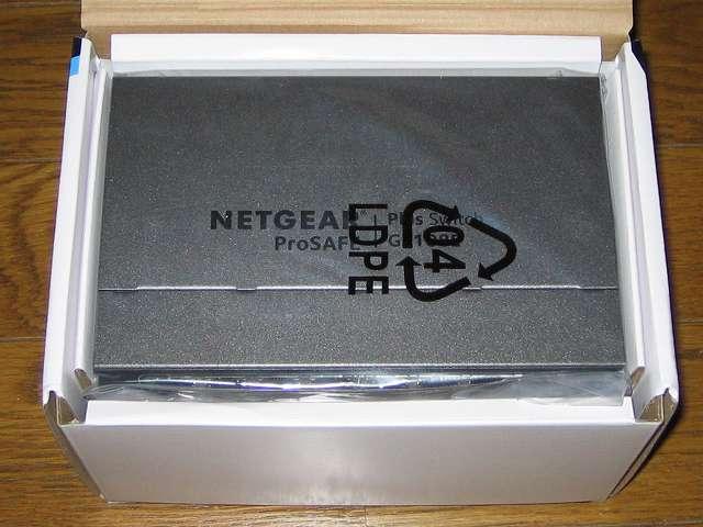 NETGEAR ネットギア アンマネージプラススイッチ ギガ 8ポート スイッチングハブ 管理機能付 無償永久保証 GS108E-300JPS 本体取り出し前