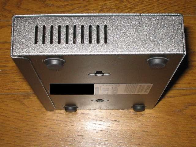 NETGEAR ネットギア アンマネージプラススイッチ ギガ 8ポート スイッチングハブ 管理機能付 無償永久保証 GS108E-300JPS 本体側面スリット その2