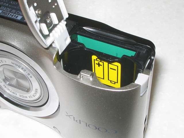 Nikon デジタルカメラ COOLPIX A10 シルバー 電池/SD カードカバー