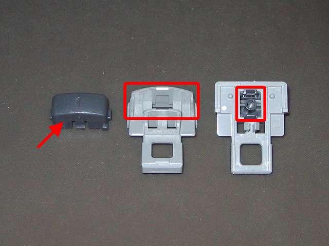 初代 PS コントローラー(デュアルショックなし) スプレーを使ってメンテナンス、L1・R1 ボタンと L1・R1 ボタンガイドのすれ合う部分にドライファストルブを噴射
