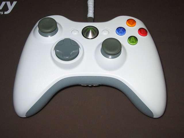 Xbox 360 コントローラー(ホワイト) スプレーを使ってメンテナンス、スプレーによるメンテナンス完了後、元通りに組み立てて動作確認する