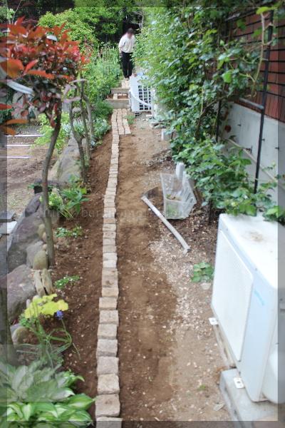 庭づくり 通路 東 庭造り DIY 20160503
