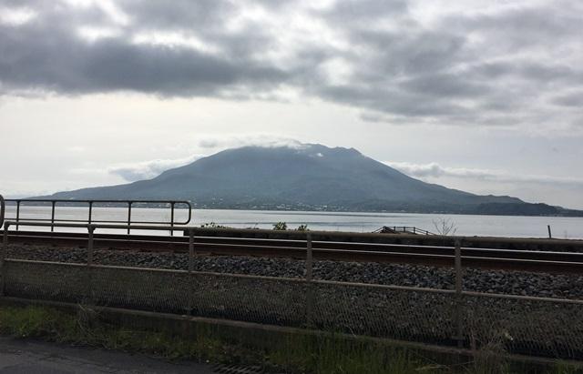 曇り空桜島