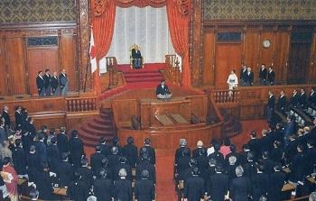 帝国議会で新憲法制定