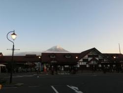 河口湖駅と富士 2016.05.12