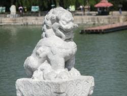 頤和園 十七孔橋の欄干の獅子