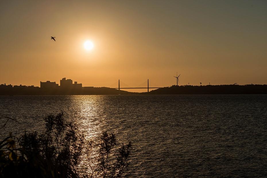 2016.06.02内灘大橋に沈む夕日2.1833