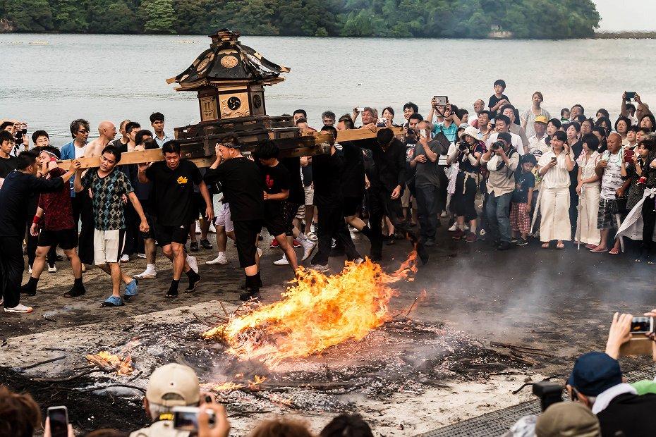 2016.07.02酒垂方神輿海へ火の中へ14
