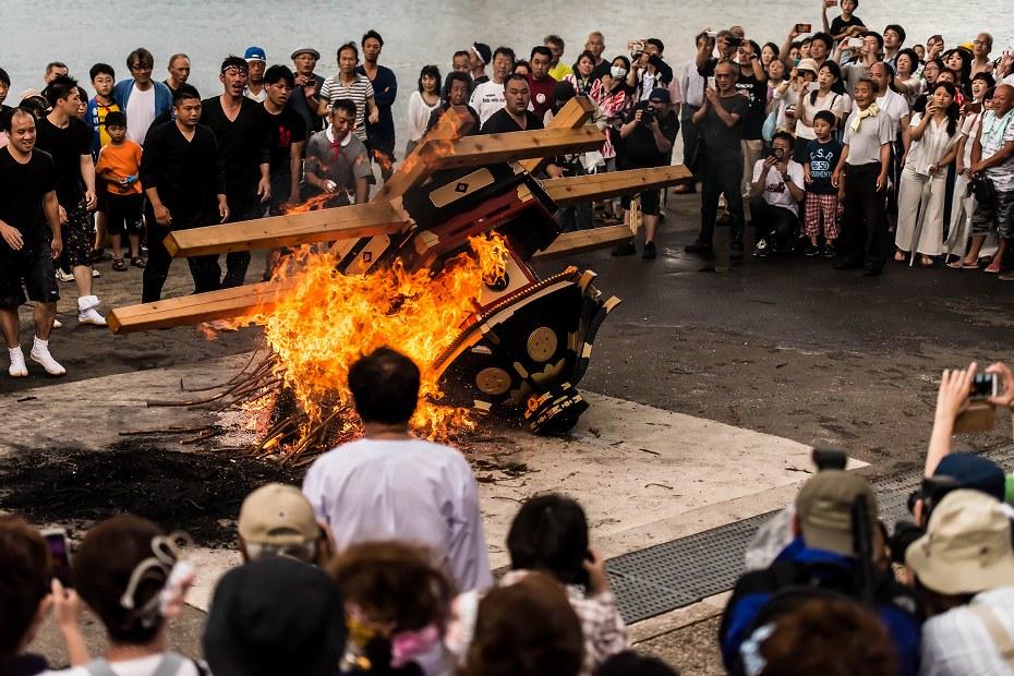 2016.07.02酒垂方神輿海へ火の中へ6
