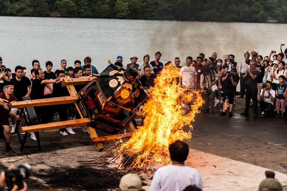 2016.07.02酒垂方神輿海へ火の中へ5