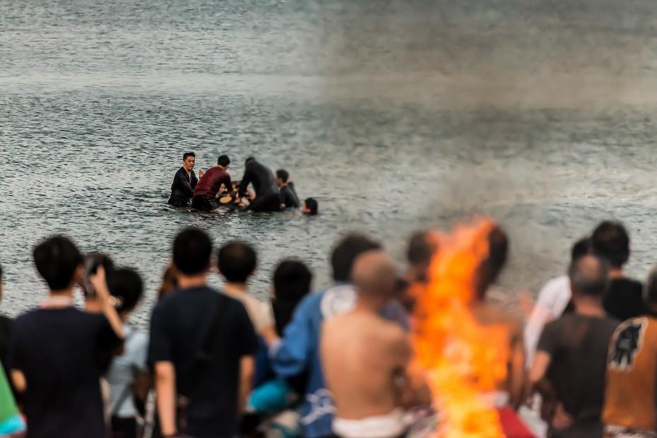 2016.07.02酒垂方神輿海へ火の中へ4