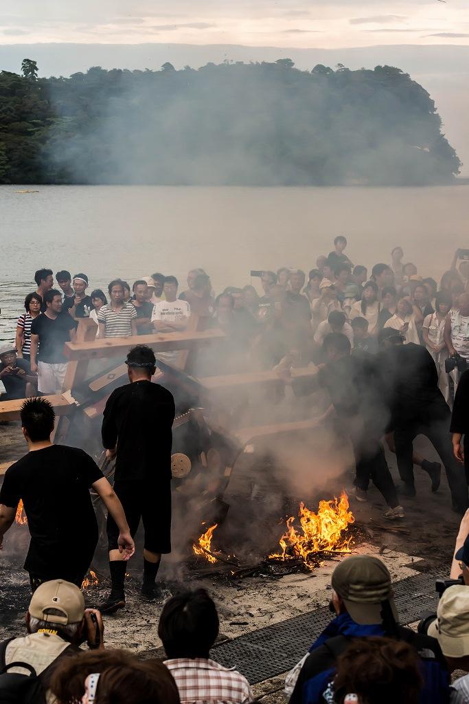 2016.07.02酒垂方神輿海へ火の中へ12