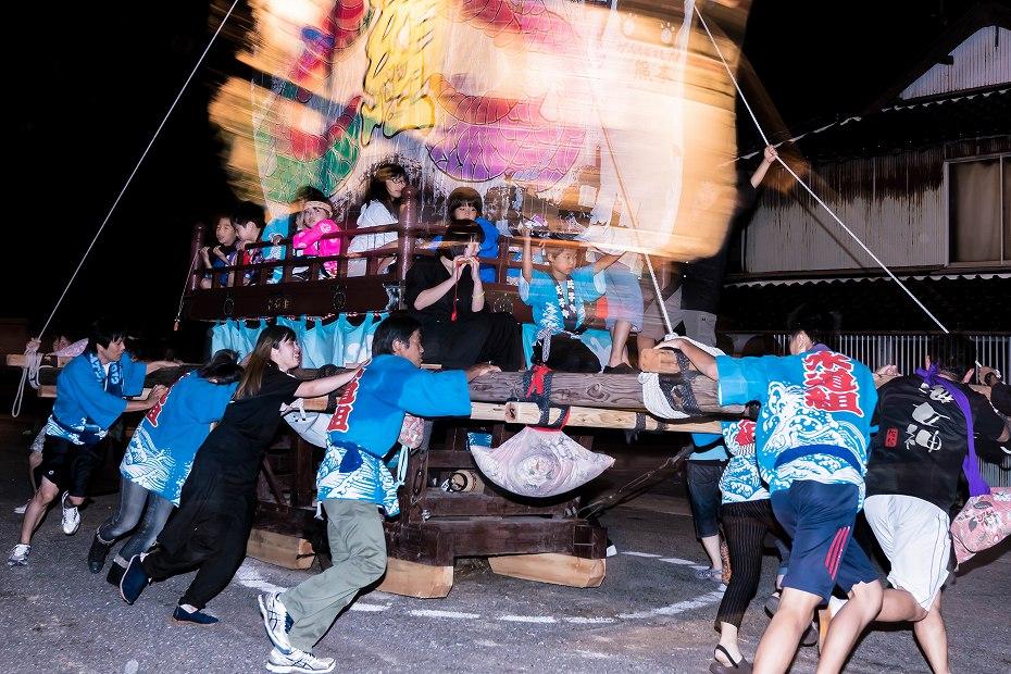 2016.08.27にわか祭の広場で回転14