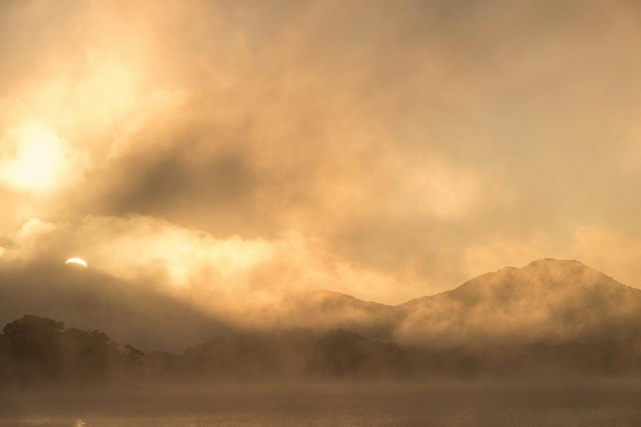 2016.10.16桧原湖の朝霧5