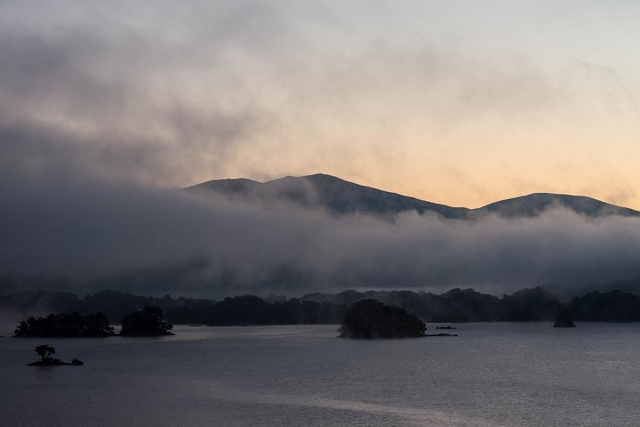 2016.10.16桧原湖の朝霧1