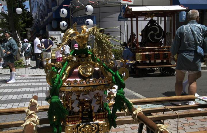 神輿と太鼓-960
