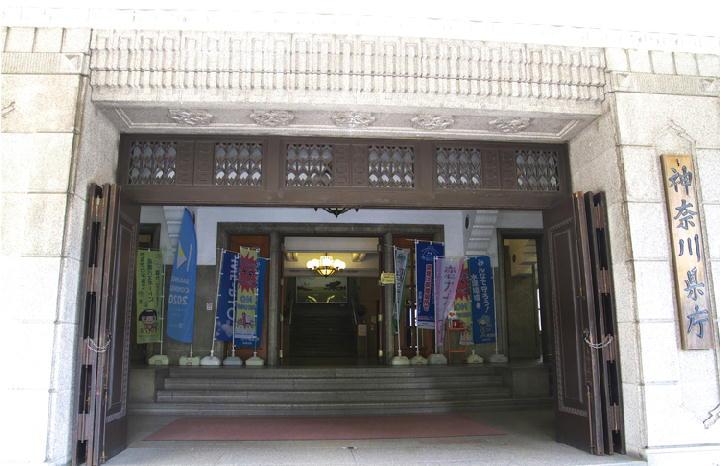 県庁の玄関-141
