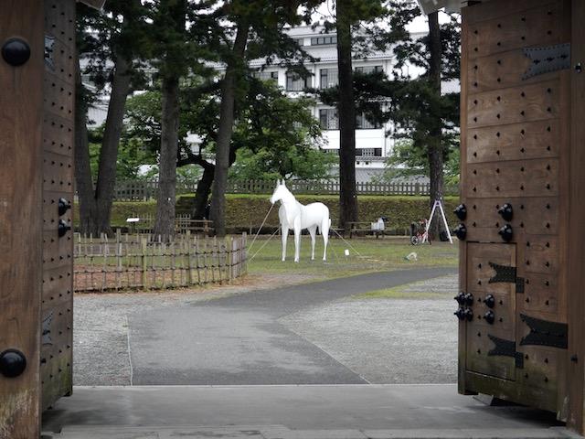 馬出門から馬