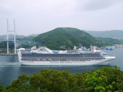大型観光船
