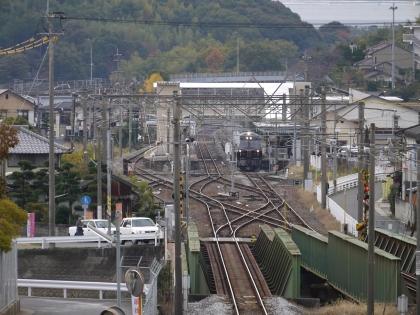 喜々津駅を発車(1)