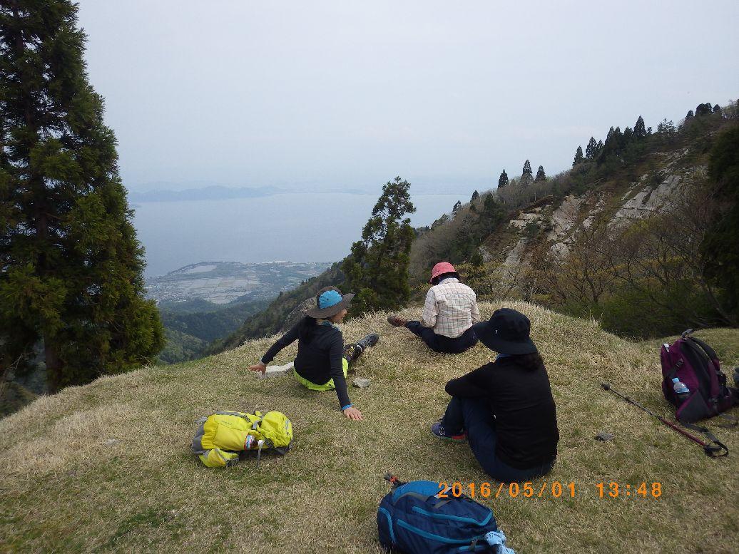 足元に琵琶湖