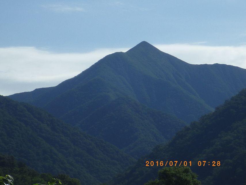 朝の楽古岳