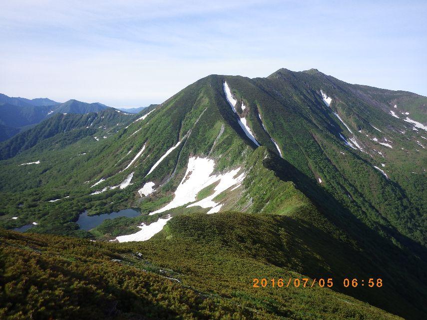 七ツ沼カールと幌尻岳