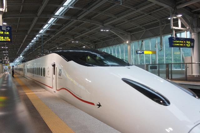 sakura_shinkansen.jpg